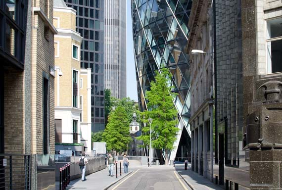 the gherkin building in st mary axe london