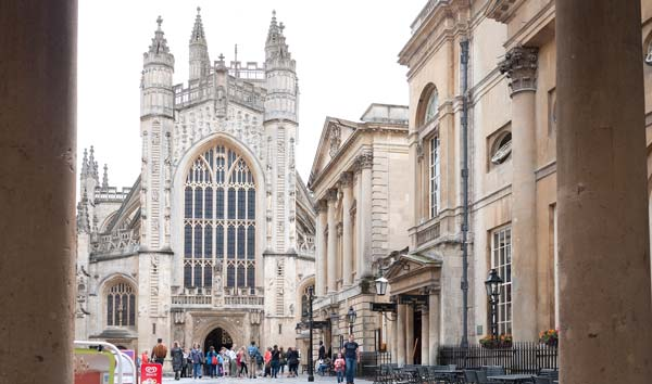 Photo of the exterior of Bath Abbey, England