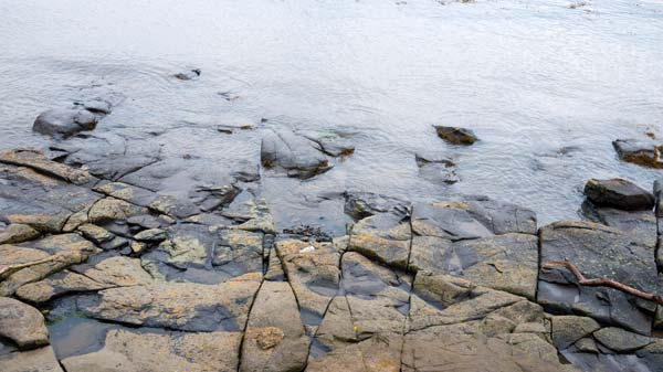 photo of the shore at North Queensferry by the Forth Rail Bridge