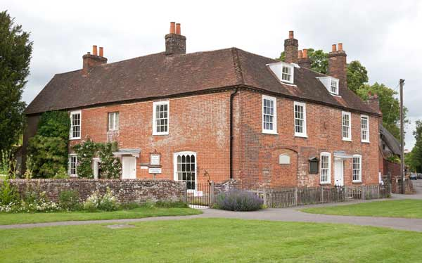 Jane-Austen Chawton Across The Grass To Chawton Cottage