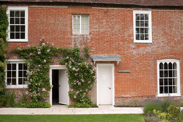 Jane Austen Chawton Chawton Cottage, Side View Leading To Garden