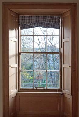 Window-In-New-Town-Edinburgh