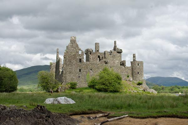 Kilchurn Castle From The Loch