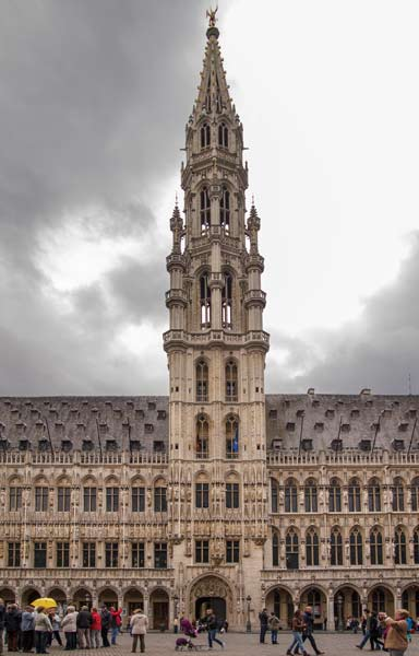 Brussels - Hiding In Plain Sight - Quillcards Blog