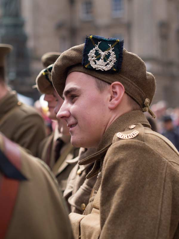 Gordon Highlanders - re-endactment soldiers on the Royal Mile, Edinburgh