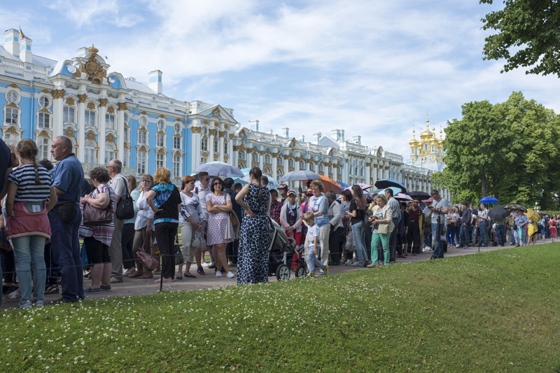 A queue to get into Catherine's Palace at Tsarskoye Selo outside Saint Petersburg