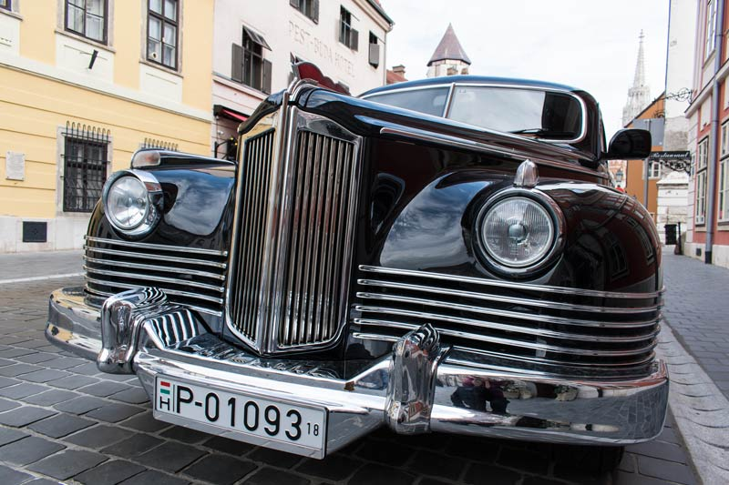 old car in Buda